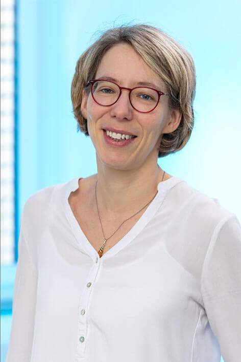 Anja Bosbach - hameln pharma